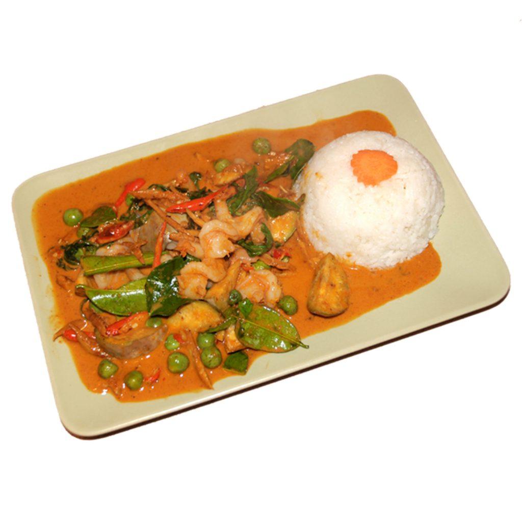 Crevettengericht an roter Currysauce